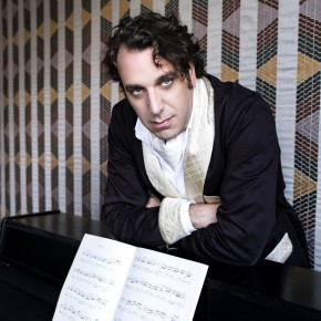 Chilly Gonzales live: It's Chilly, bitch!
