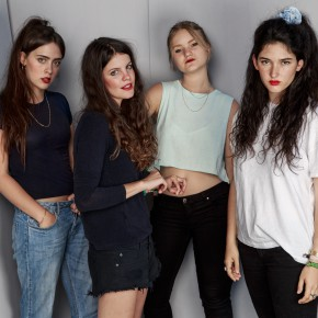 Hinds: Girlband mit Biss