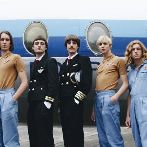 Parcels: Dancing Queens